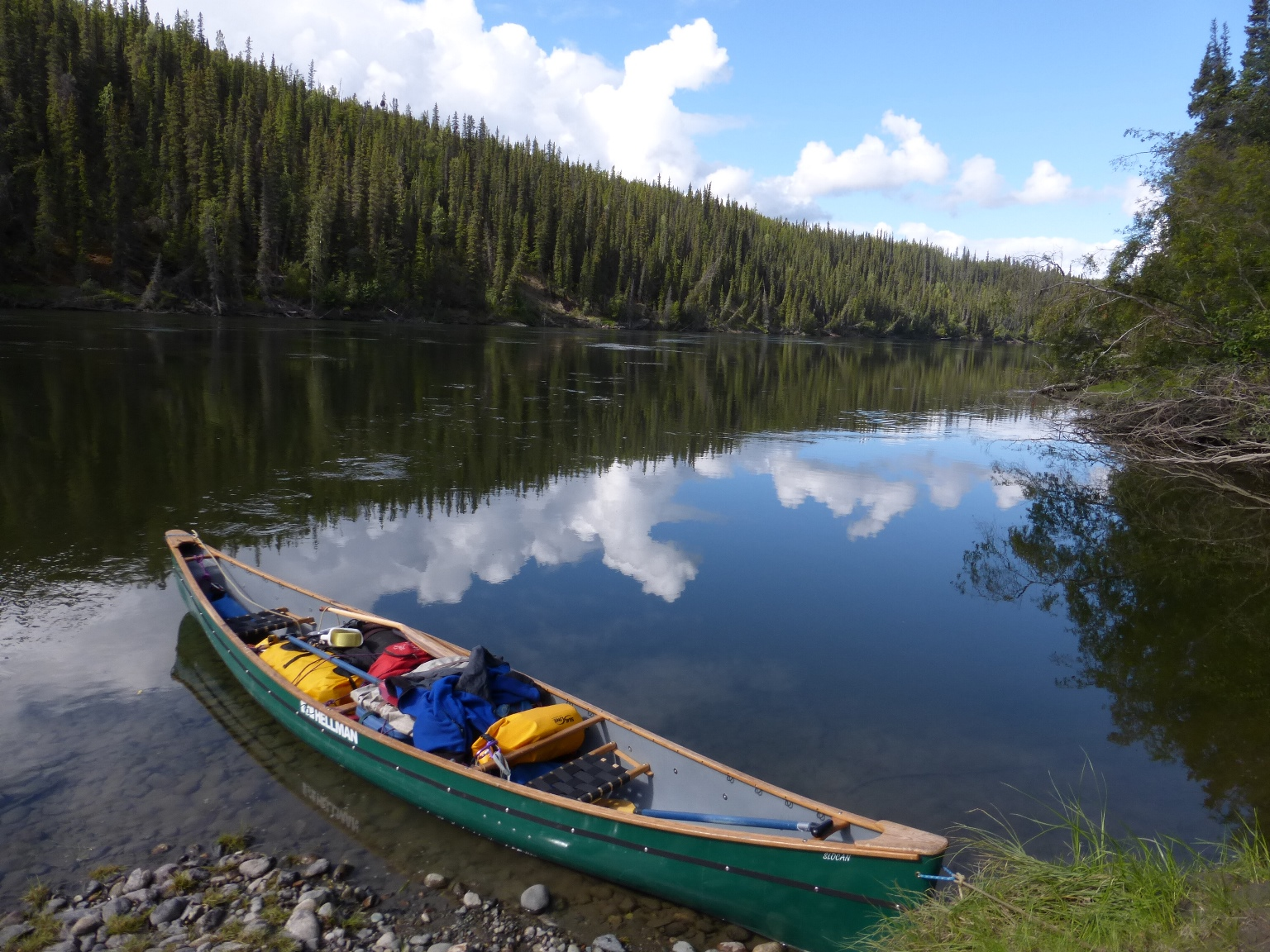 Shore lunch on the Teslin River